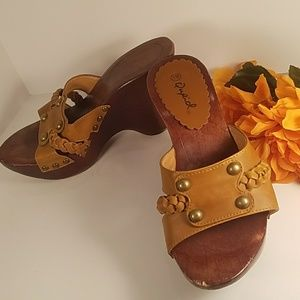 Qupid Size 6.5 Wooden Wedge Sandals Boho Leather